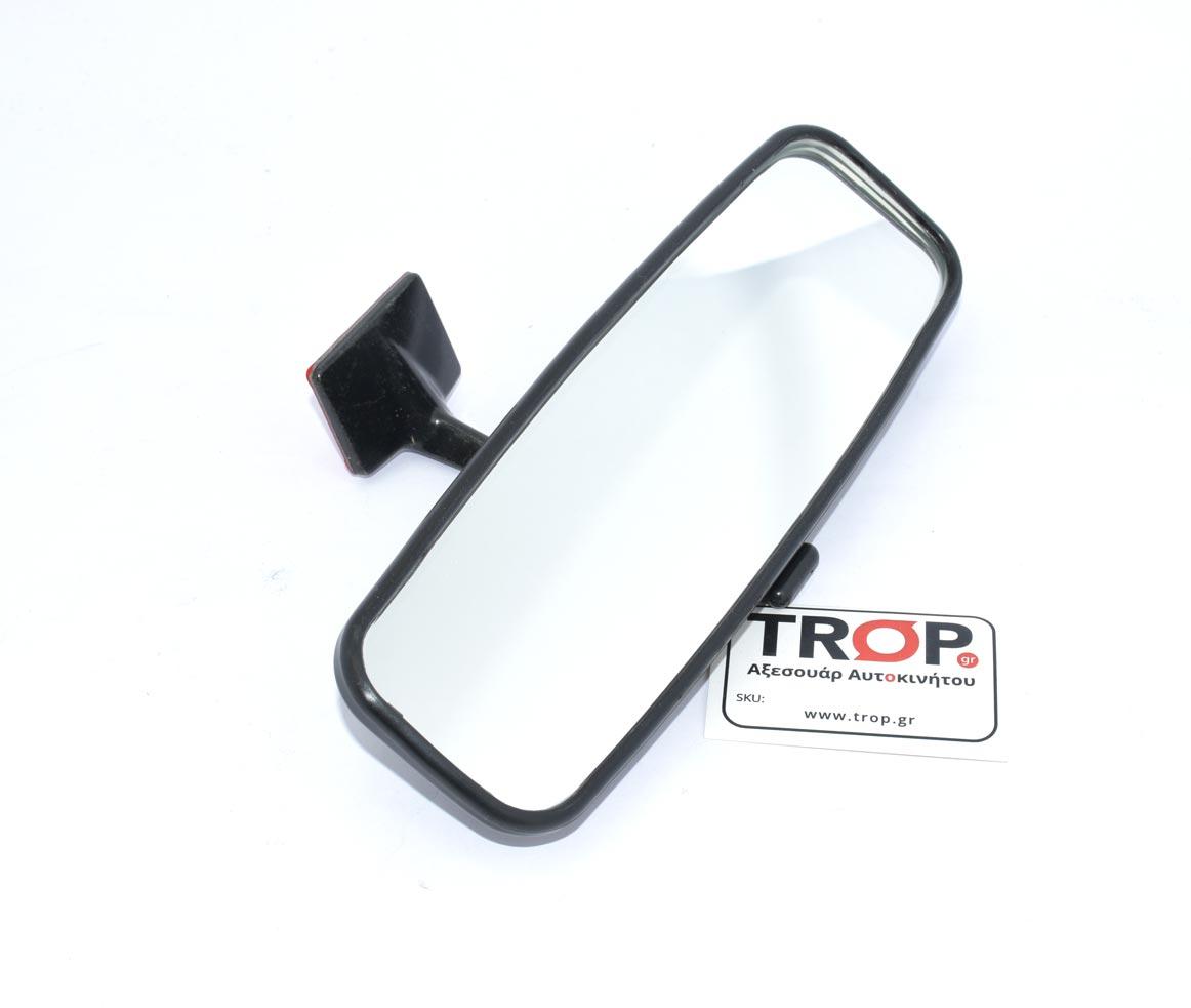 Made in Spain. Εφαρμογή πάνω στο Παρμπρίζ με ταινία διπλής όψης – Φωτογραφία από Trop.gr