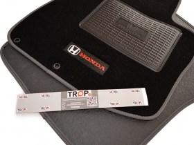 Σετ Πατάκια με Γκρι Ρέλι για Honda Civic 8ης Γενιάς FN, FK, (Type R, Type S) - Κλιπς και Πλαστικό πάτημα οδηγού - Φωτογραφία τραβηγμένη από TROP.gr