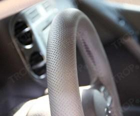 Μετετρέψε μόνος σου το πλαστικό τιμόνι αυτοκινήτου σε δερμάτινο