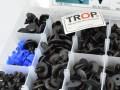 Πλαστικά κουμπώματα (λεπτομέρεια 2) - Φωτογραφία από TROP.gr