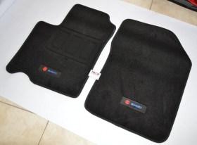 Εικόνα από τα μπροστινά Πατάκια για Suzuki Swift 2ης Γενιάς (2004 έως 2010) - Φωτογραφία τραβηγμένη από TROP.gr