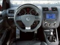 Εικόνα τοποθετημένων πεντάλ σε VW Golf GTI